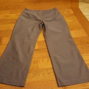 lucy tech fit gray cropped pants XS NEW